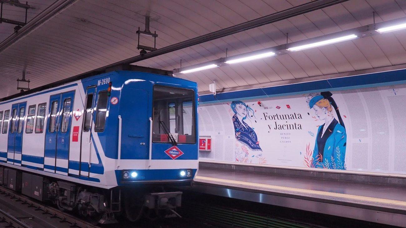 Entrada de un tren en la estación  de Ríos Rosas