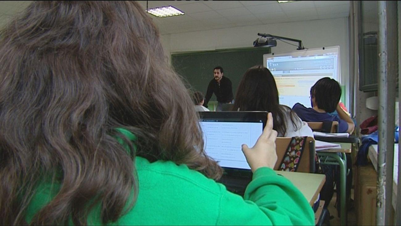 """Profesores de Madrid ven """"insuficiente"""" el refuerzo de 3.000 docentes el próximo curso"""