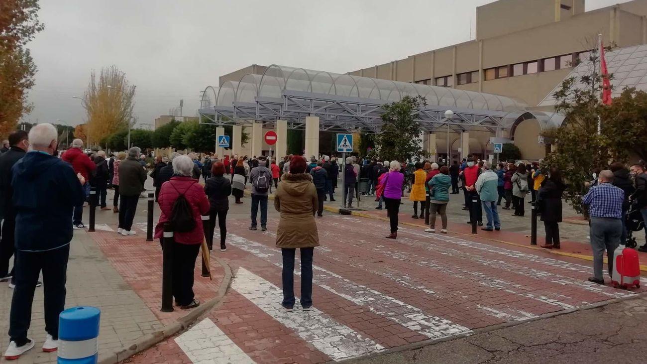 Concentración en Getafe contra el traslado de personal al Hospital de emergencias Isabel Zendal