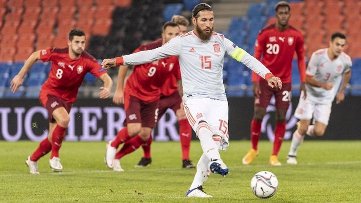 1-1. España empata con Suiza tras una noche aciaga de Ramos
