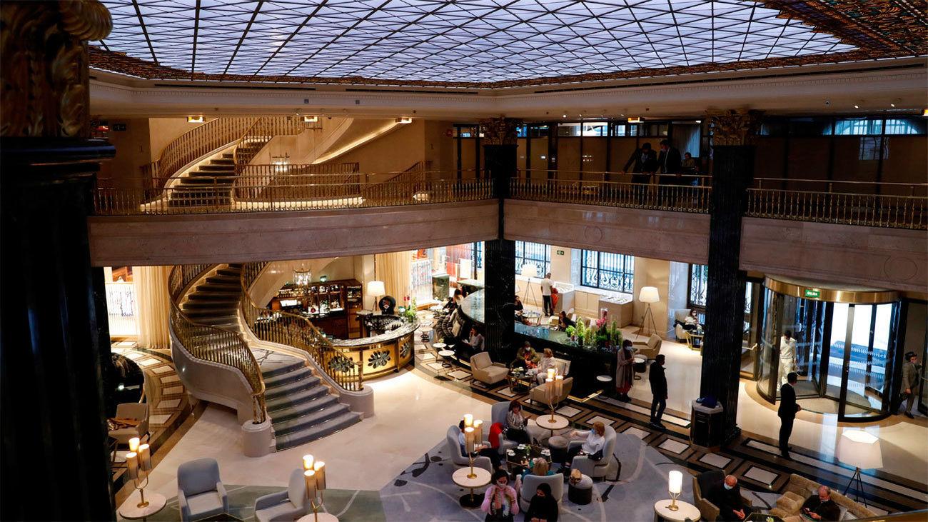 Vista de la recepción del hotel Four Seasons Hotel Madrid
