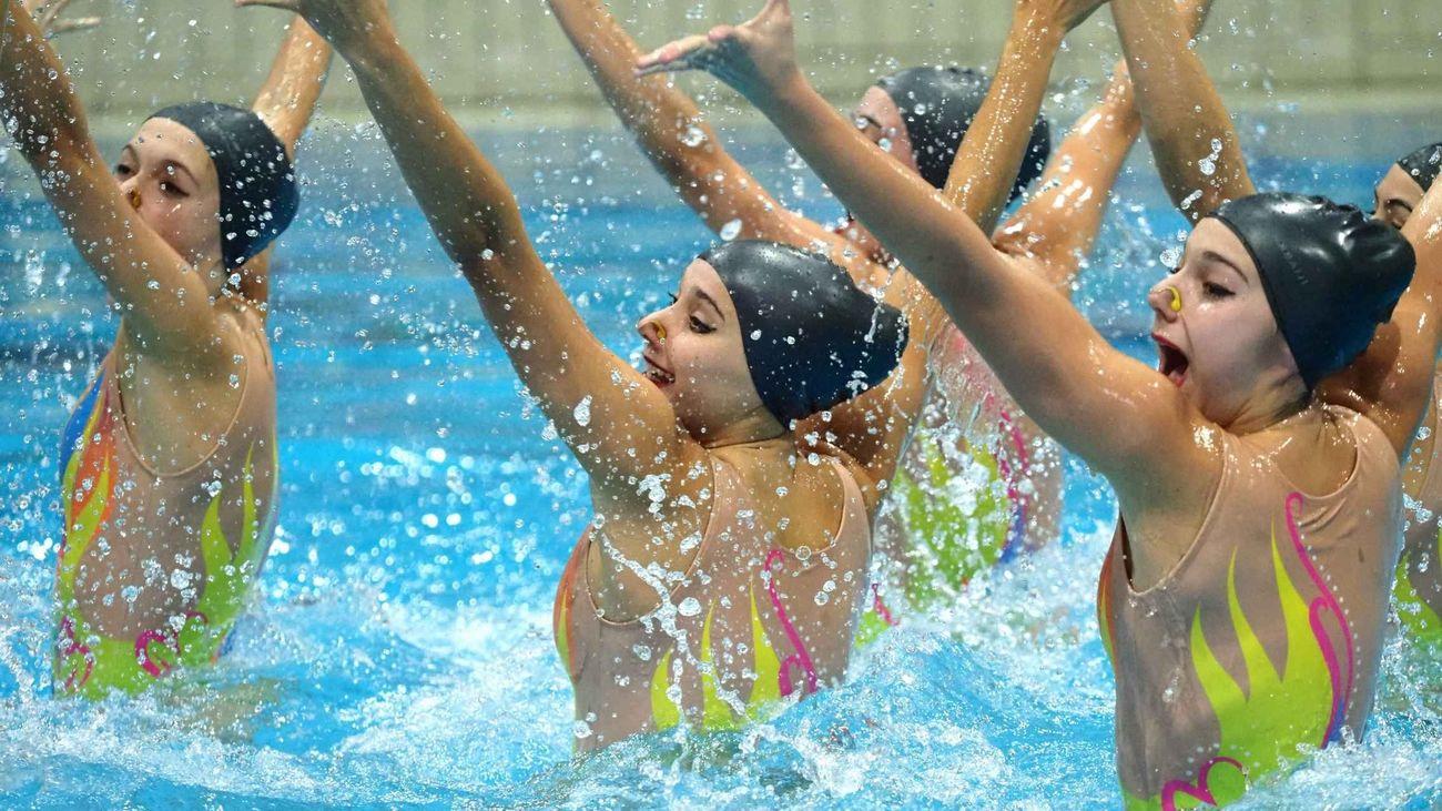 Sincro Retiro domina el Campeonato de Madrid de natación sincronizada