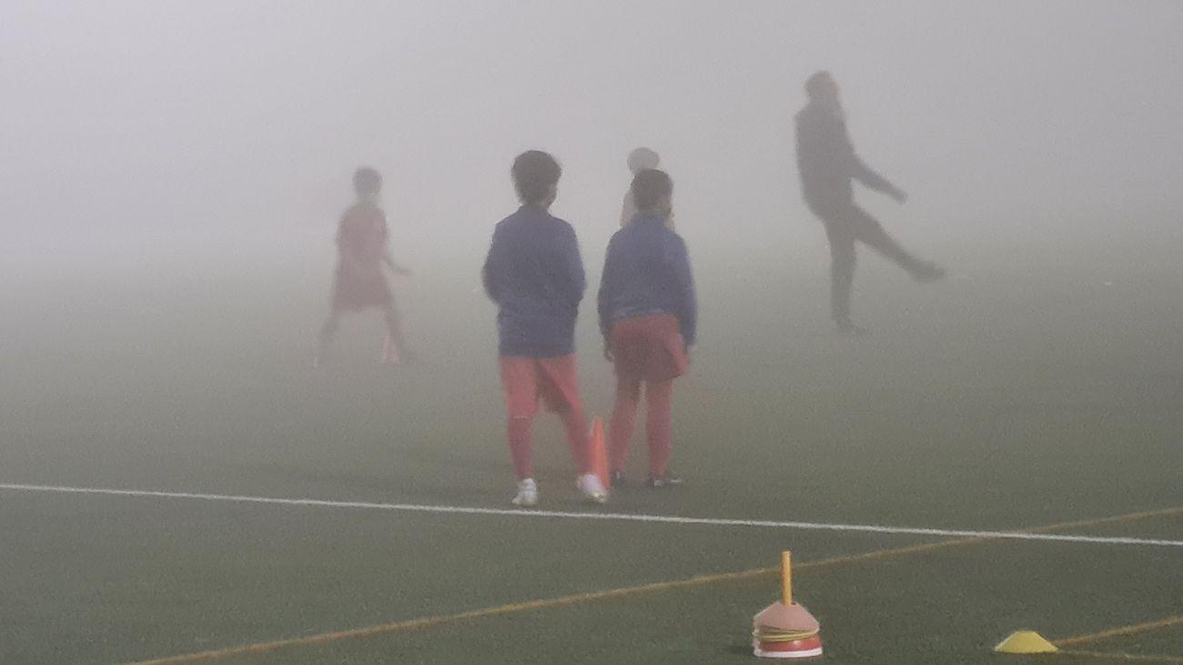 ¿Old Trafford? No, son los campos de Madrid de fútbol bajo la niebla