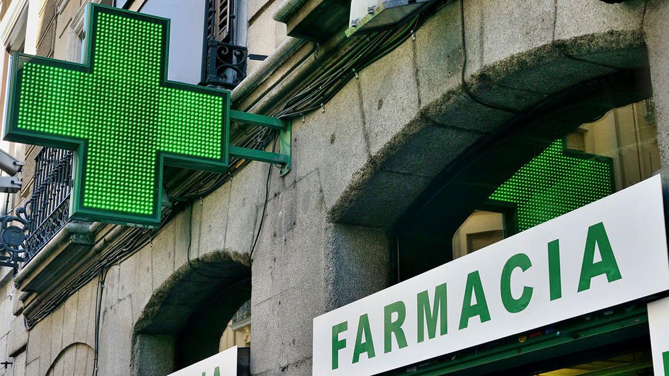 Luminoso de una farmacia madrileña