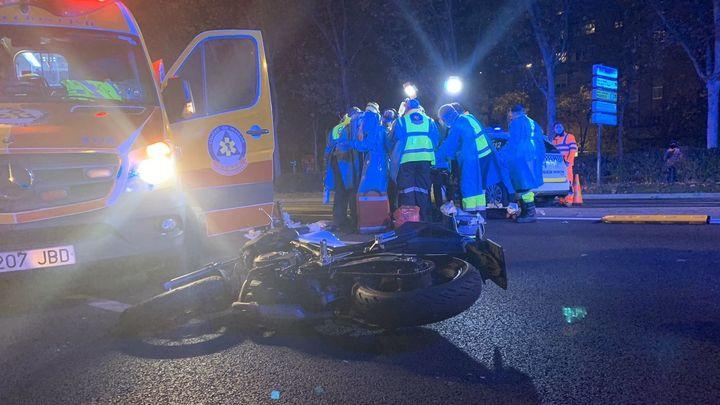 Una mujer herida muy grave al ser atropellada por una moto junto a La Vaguada