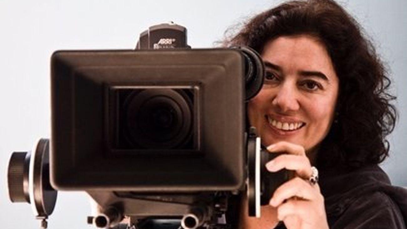 La directora, Chus Gutiérrez analiza los estereotipos de mujer en los medios en el documental 'Rol&Rol'