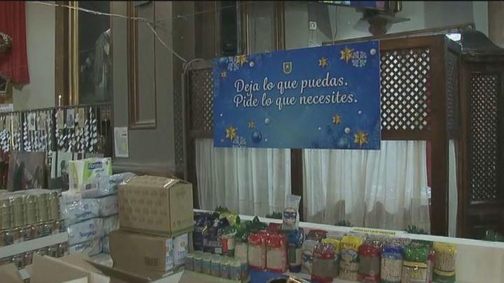 La Iglesia de San Antón recibe una donación de 2.000 kilos de comida para el Banco de Alimentos