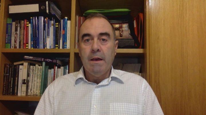 """Marcos López de Hoyos, Presidente de la Sociedad Española de Inmunología: """"Los anticuerpos no desaparecen rápidamente"""""""