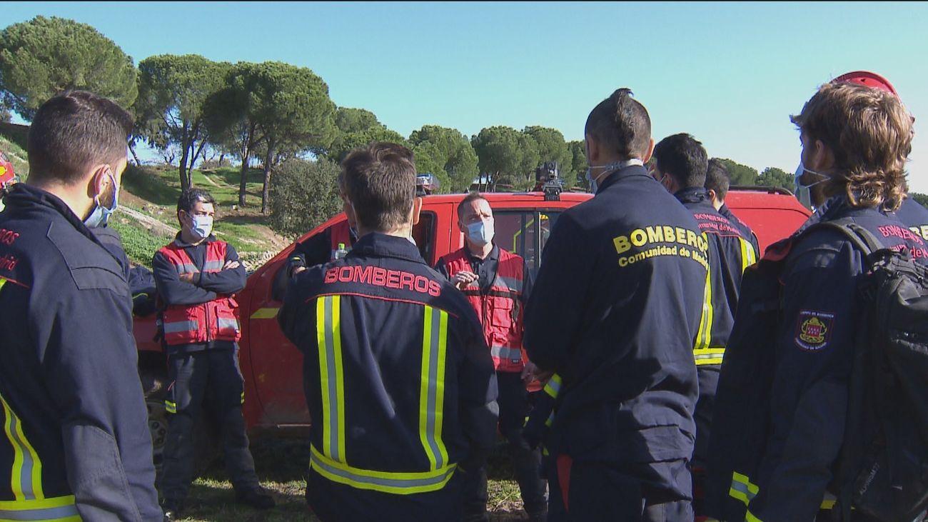 Así se preparan los bomberos de la Comunidad de Madrid para intervenciones en montaña