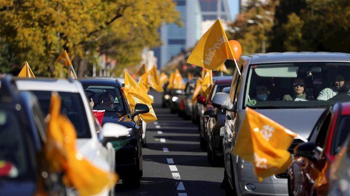 La concertada se manifiesta este domingo con vehículos contra la Ley Celaá