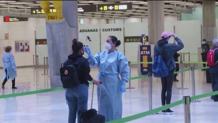 España exige desde este lunes una PCR negativa a los viajeros de países de riesgo
