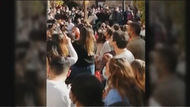 Polémica en Manzanares el Real por la aglomeración de personas en un concierto