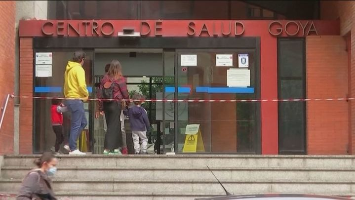 Los centros de salud madrileños piden refuerzos para asumir la vacunación contra la Covid