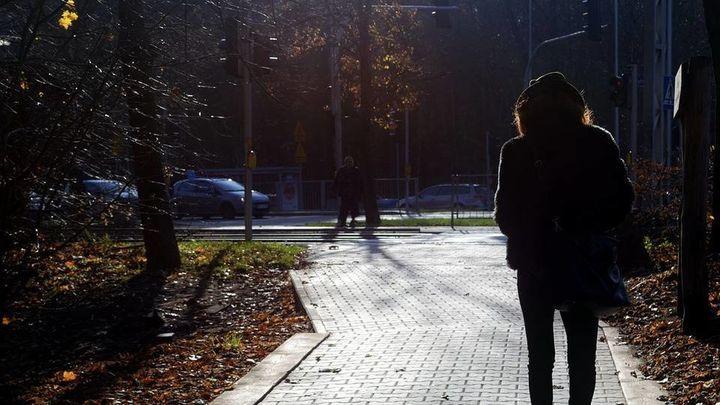 Consejos y trucos de defensa personal para sentirnos seguras en la calle