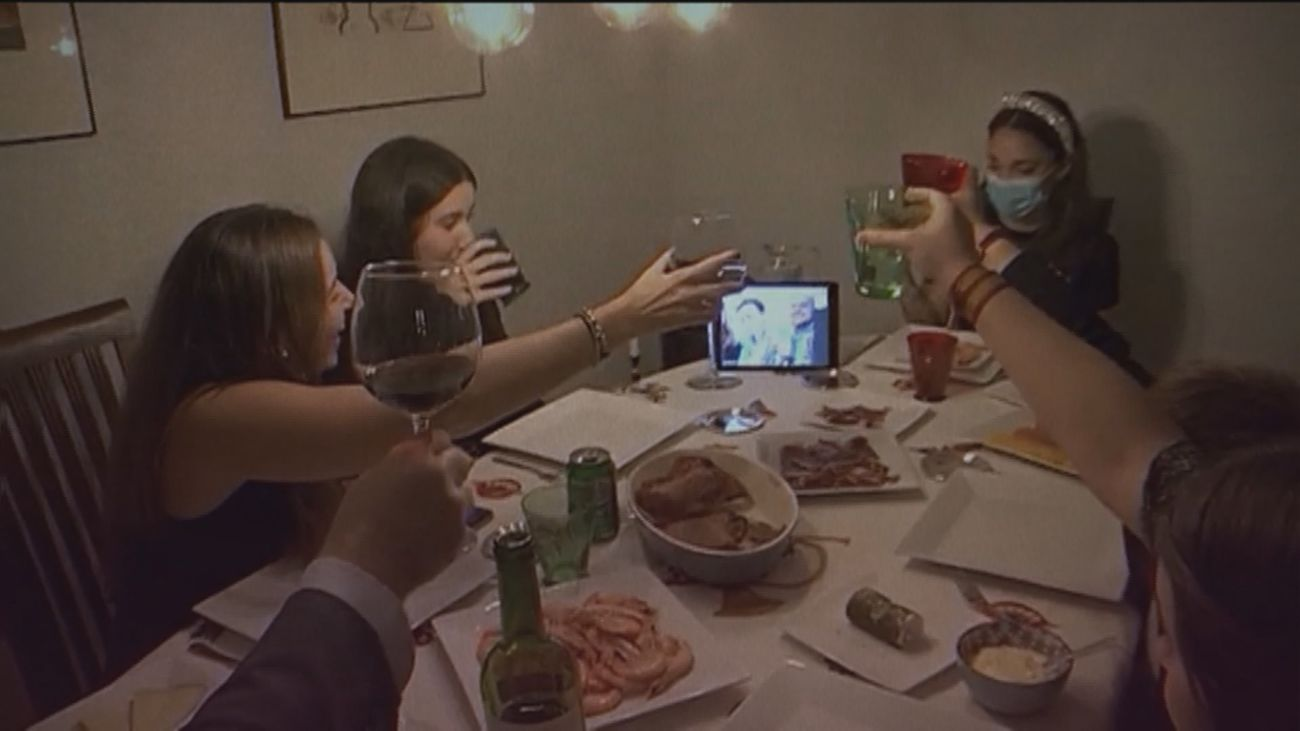 Simulamos una cena de Navidad en plena pandemia por coronavirus