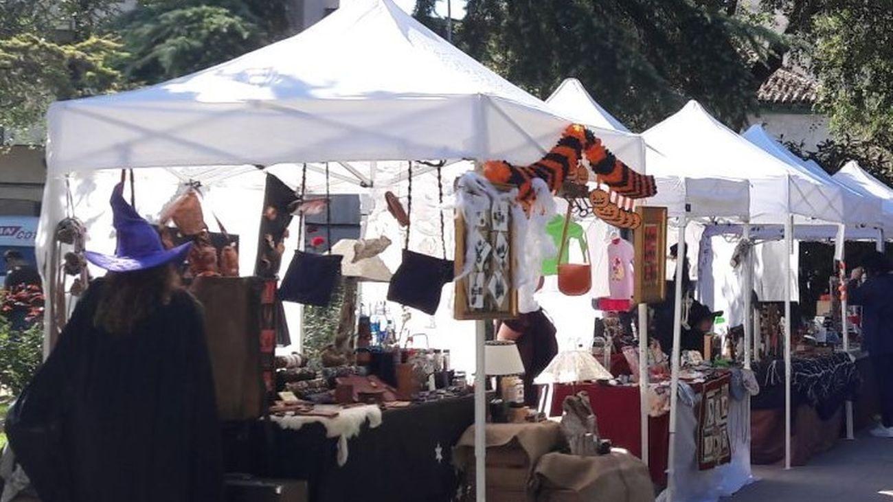 Los Artesanos de 'Vive Creando'  muestran sus obras en el Centro Cultural Gabriel Celaya de San Fernando