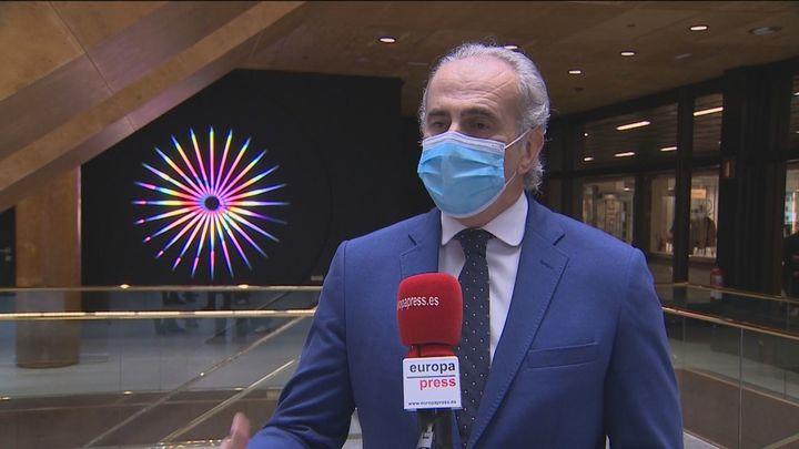 """Escudero dice que los madrileños esperan un """"pequeño plus""""en Navidad tras el descenso de contagios"""