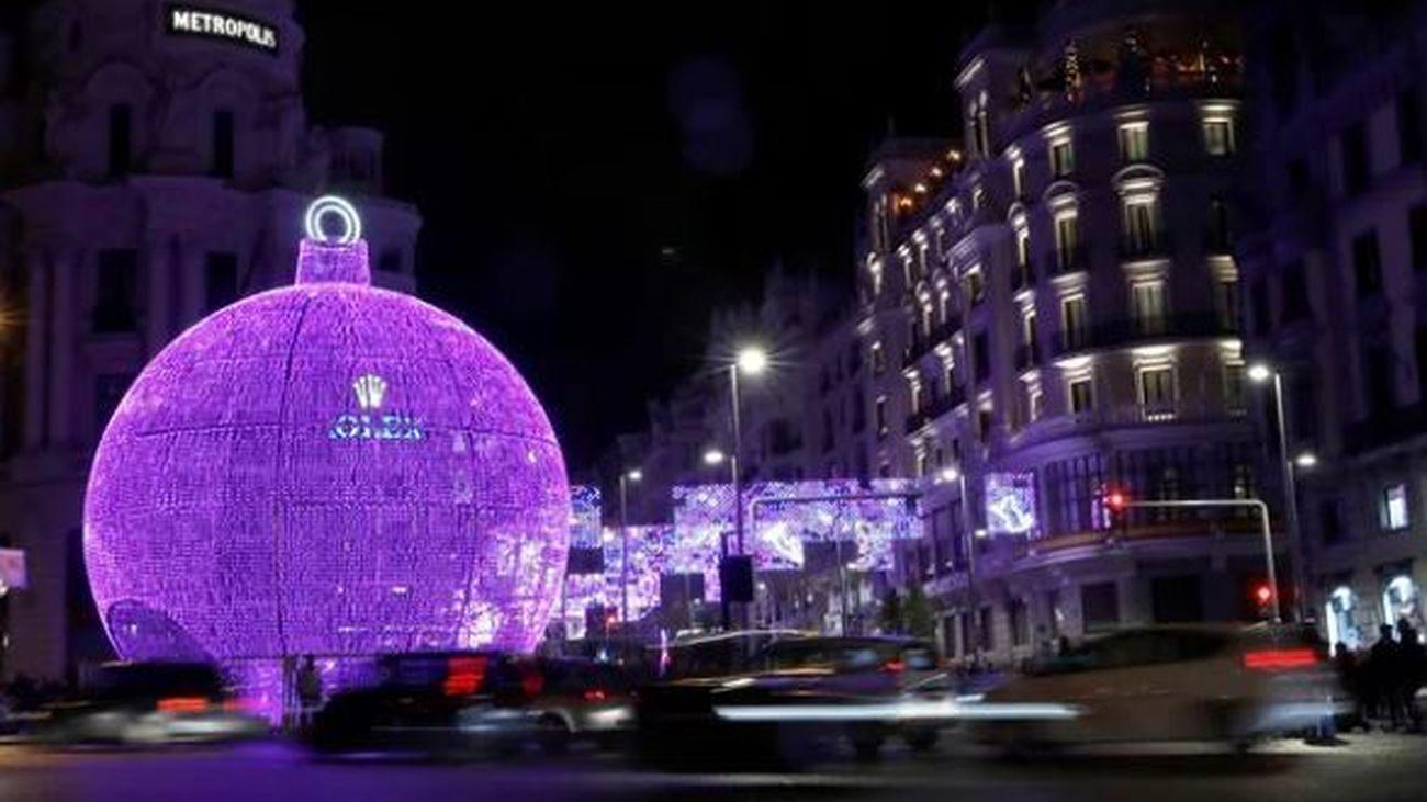 Una app con audiodescripción acerca las luces de Navidad de Madrid a personas con discapacidad