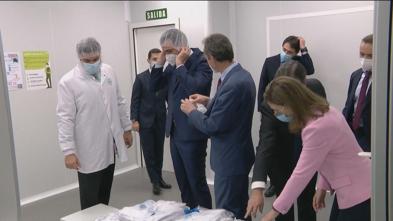 """Sánchez asegura que ya se está  """"al principio del fin de la pandemia"""" del Covid-19"""