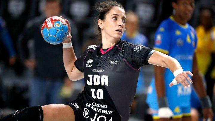"""Carmen Campos: """"Poder jugar con 'las guerreras' es un orgullo"""""""