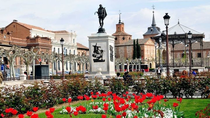 #AlcaláEnamora en Fitur e invita a los madrileños a disfrutar de su gastronomía y patrimonio