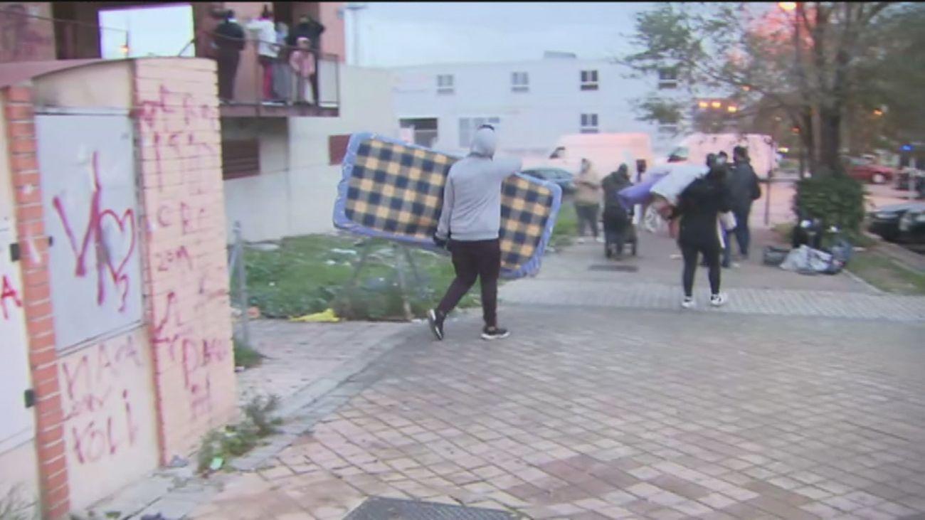 Desalojo múltiple en Alcorcón de 15 familias 'okupas'