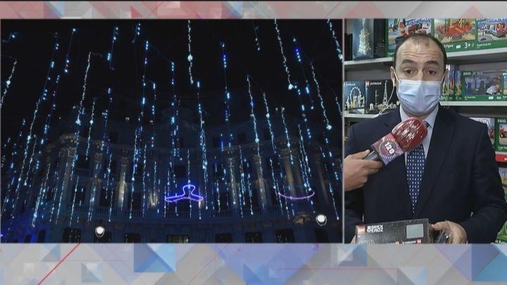 Madrid reivindica la importancia del comercio local en el inicio de la campaña navideña