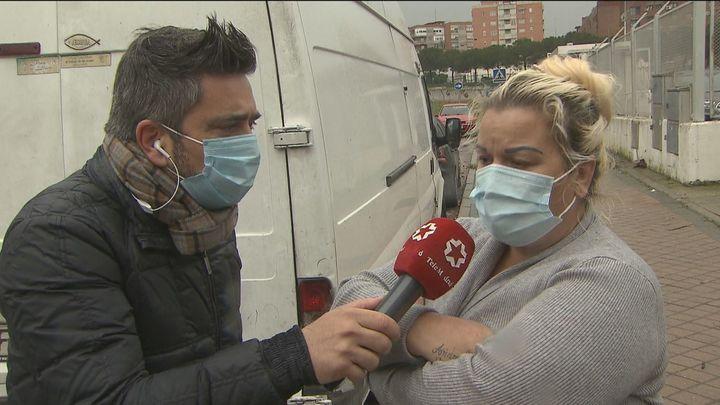 Unos vecinos piden ayuda y otros respiran tras el desahucio múltiple en Alcorcón