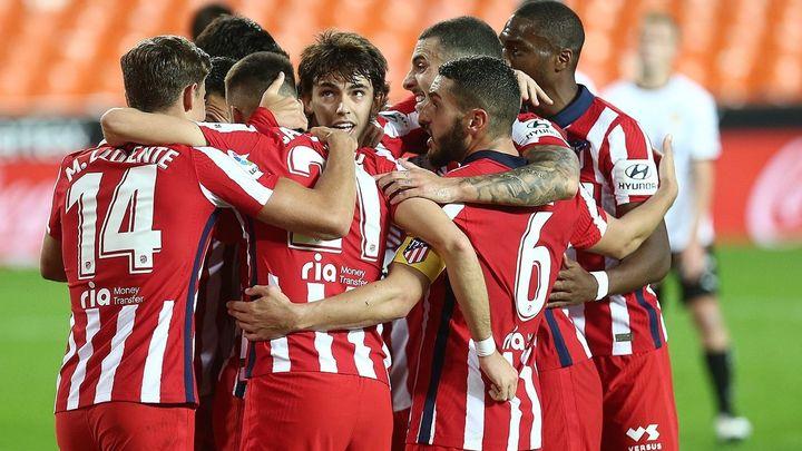 0-1. Un Atlético superior gana al Valencia con un gol en propia meta