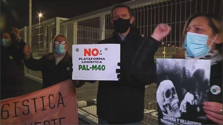 Los vecinos de Usera-Villaverde se concentran contra la apertura del Centro Logístico Palm-40