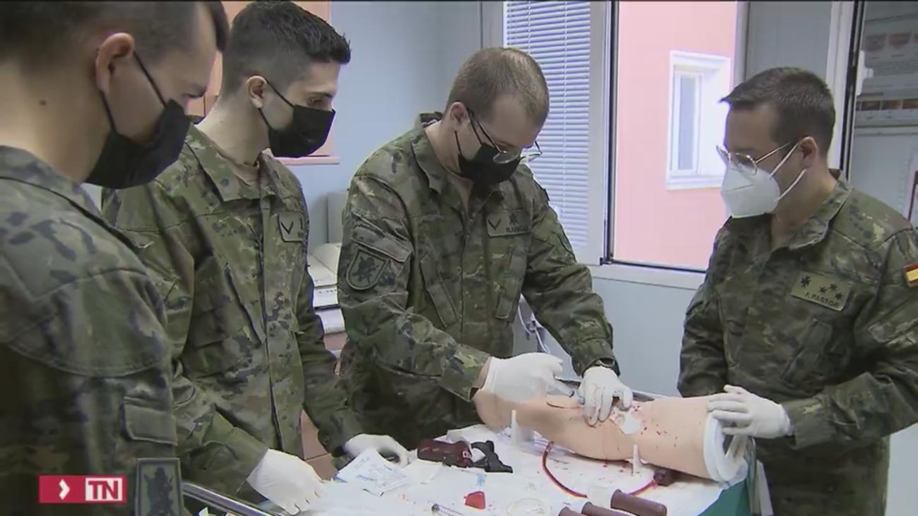 Se buscan médicos militares
