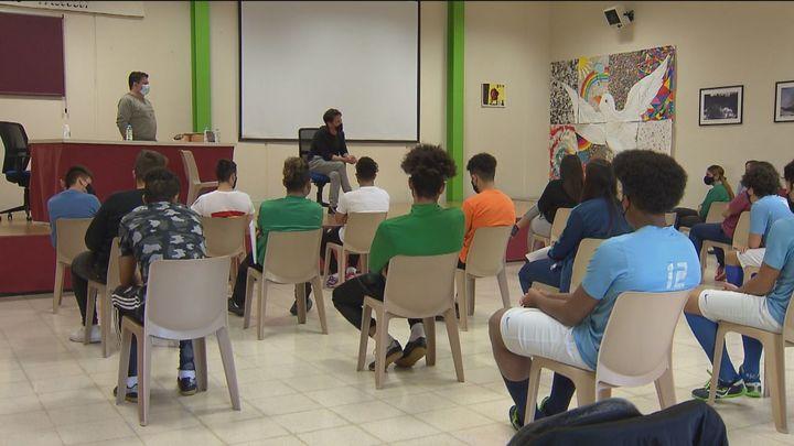 David de María comparte experiencias en el Centro de Menores de Brea de Tajo