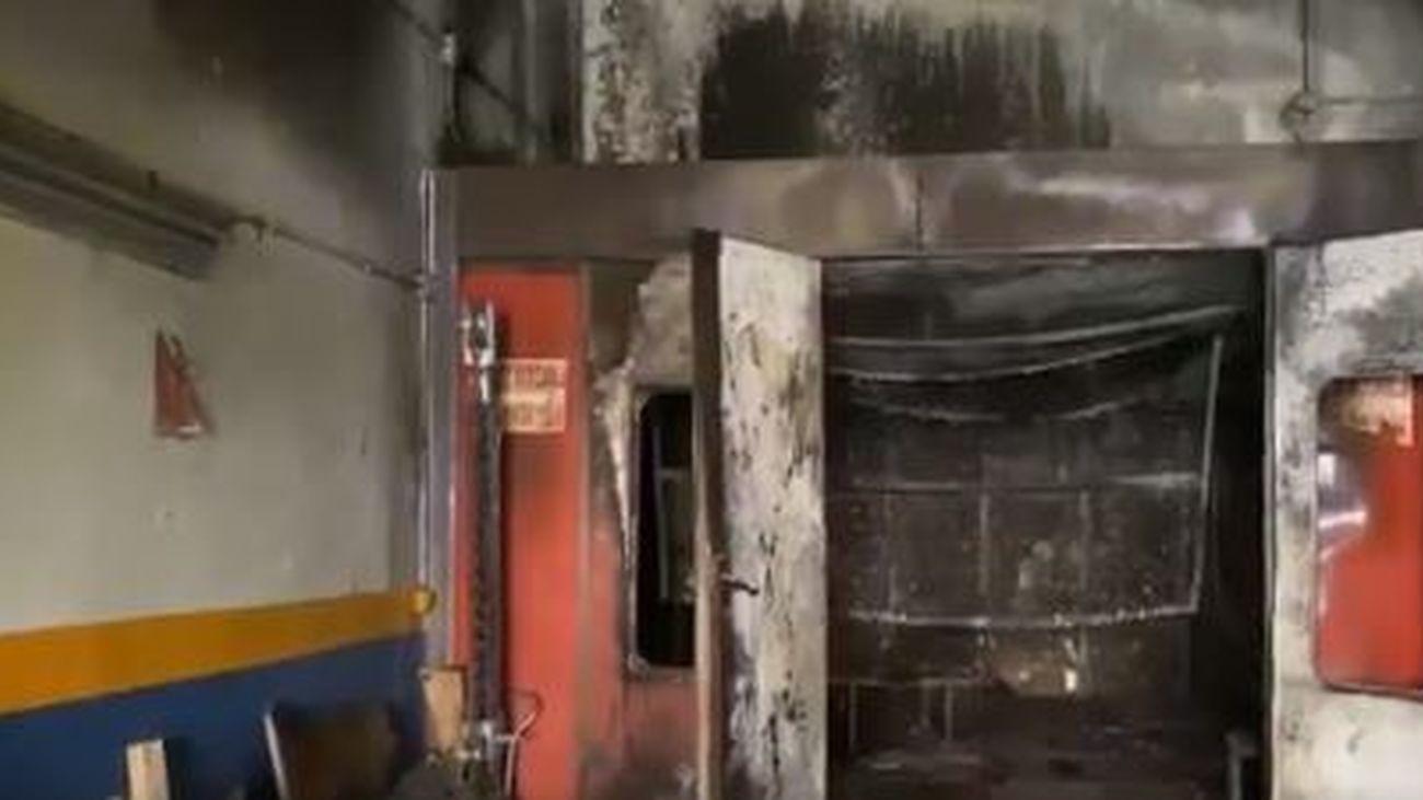 Incendio sin heridos en un taller mecánico de Torrejón de Ardoz