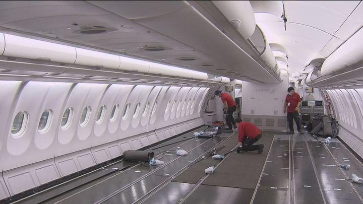 Iberia transforma sus aviones en transporte de mercancías ante la caída del tráfico aéreo