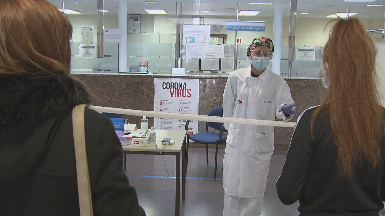 Se estabilizan los contagios y defunciones en Madrid mientras bajan las hospitalizaciones