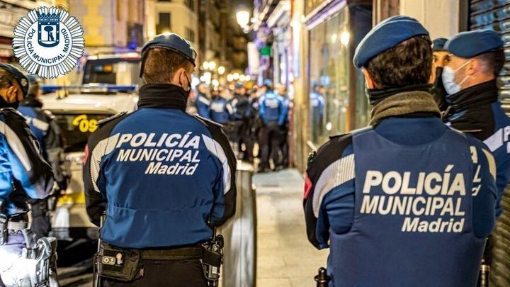 Detenido un policía municipal de Madrid  por abusar de un joven en La Elipa