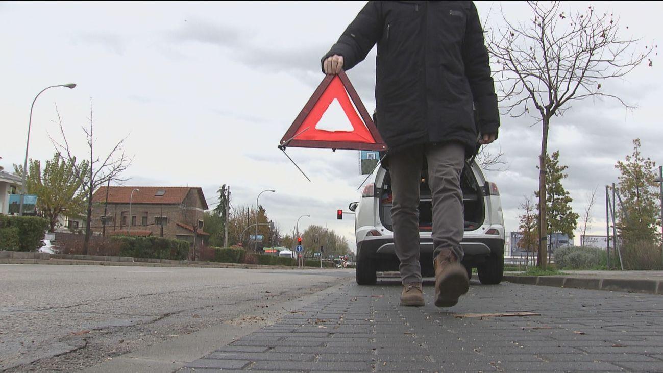 Las balizas luminosas sustituirán a los triángulos de emergencia de los vechículos