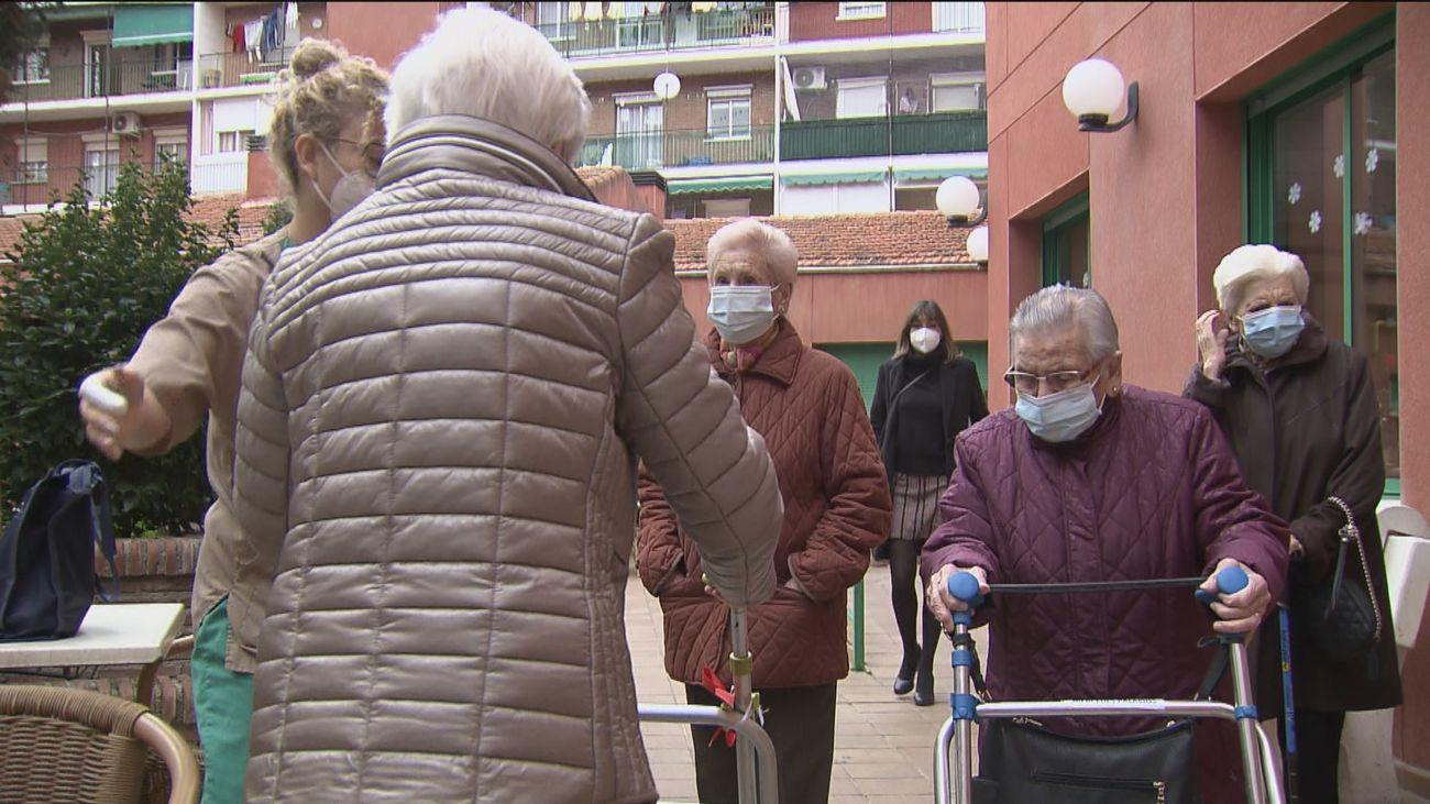 Esperanza entre los mayores de las residencias por la vacuna contra el covid-19
