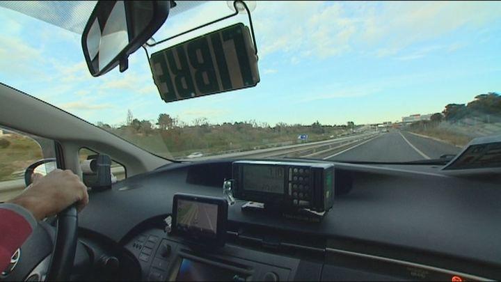 El 40% de los taxistas de Madrid se plantean dejar su trabajo por la pandemia