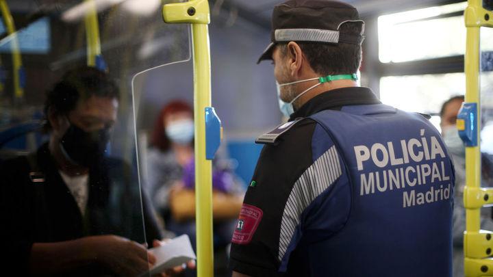 Una multa cada cinco minutos por infracciones relacionadas con la covid en Madrid