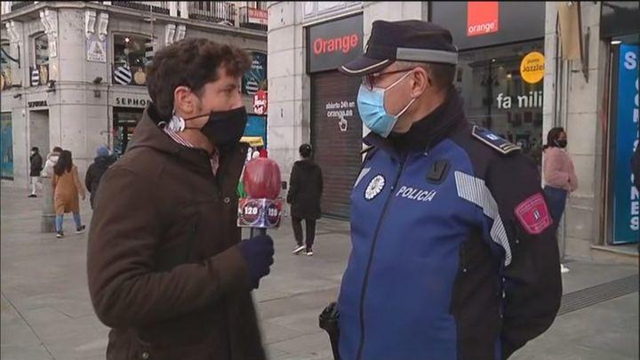 La Policía hace cortes puntuales para evitar aglomeraciones en Preciados y Sol