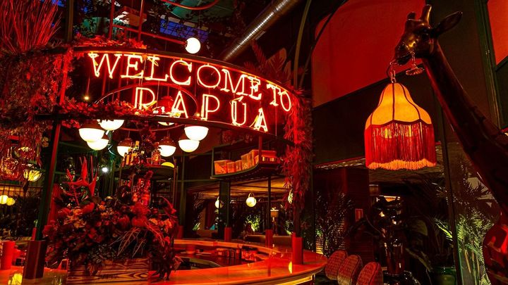 La exótica selva que esconde este restaurante en pleno centro