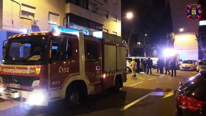 Cuatro intoxicados leves en un incendio en una vivienda de Alcorcón
