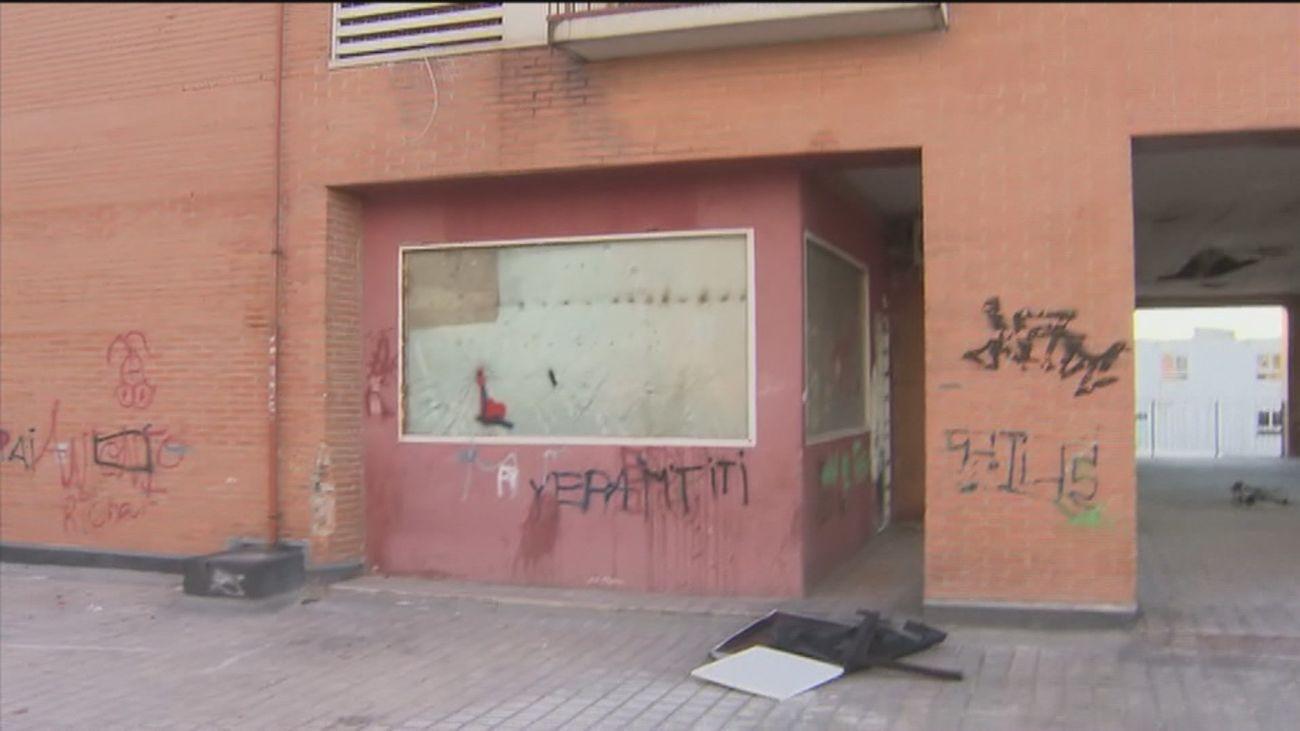 Varios okupas de Alcorcón que fueron desalojados se niegan a abandonar el edificio