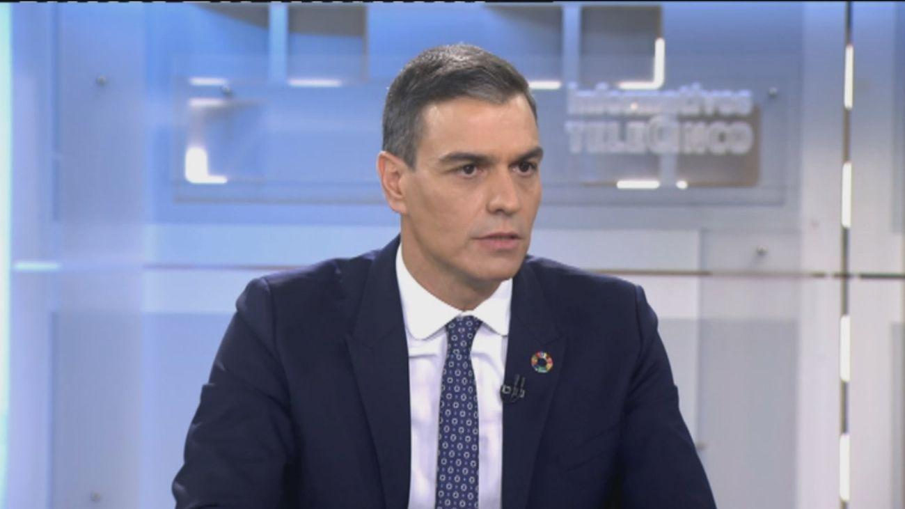 """Sánchez ve """"gravísimo"""" que Ayuso suscriba la carta de los militares retirados"""