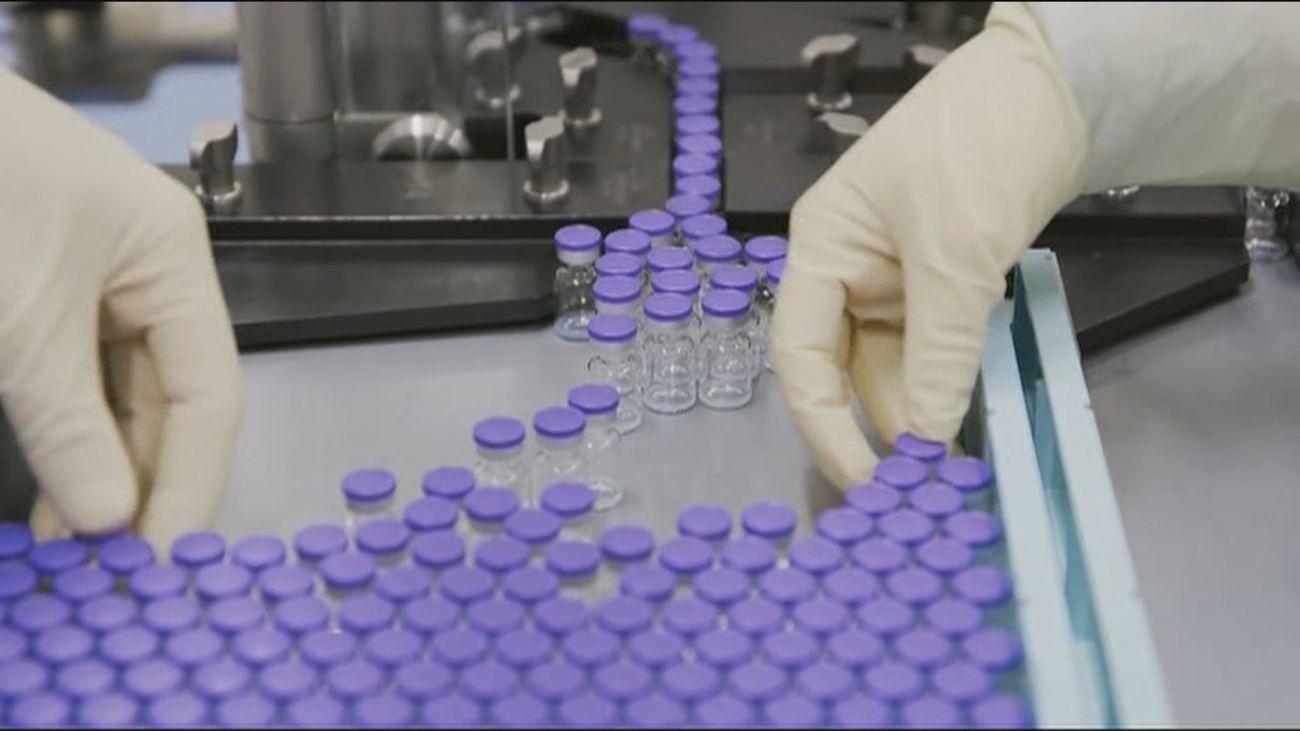 Madrid pide a Sanidad que aclare cuántas dosis de la vacuna va a recibir y cuándo