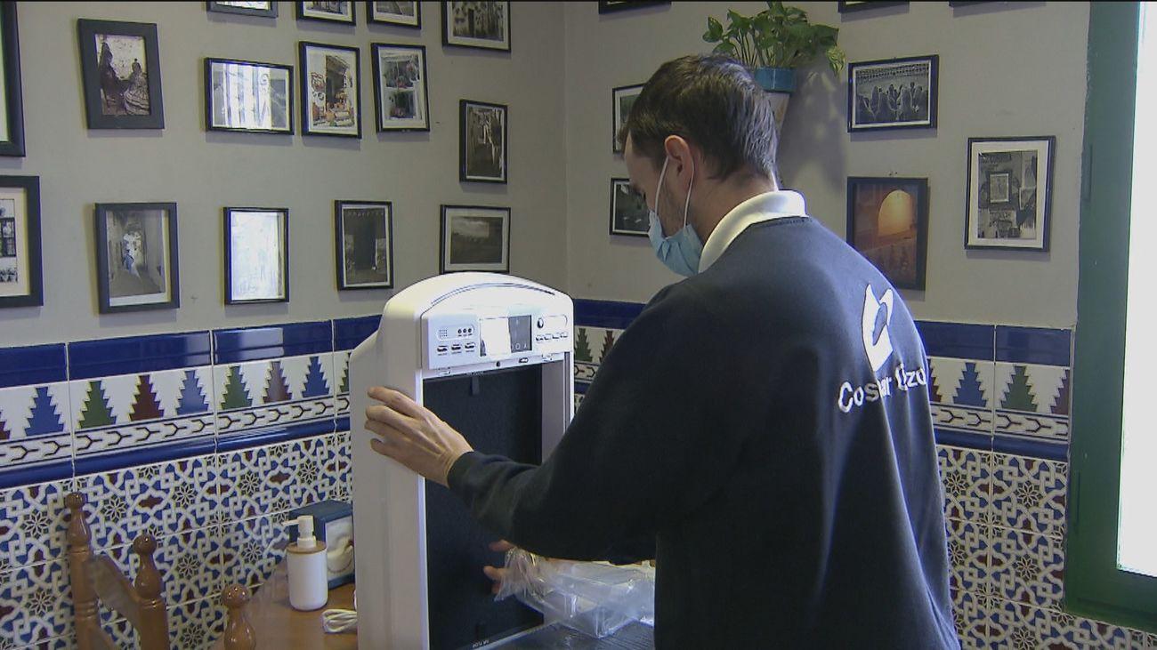 Una empresa madrileña pone en marcha una incitativa solidaria para desinfectar los locales de Covid