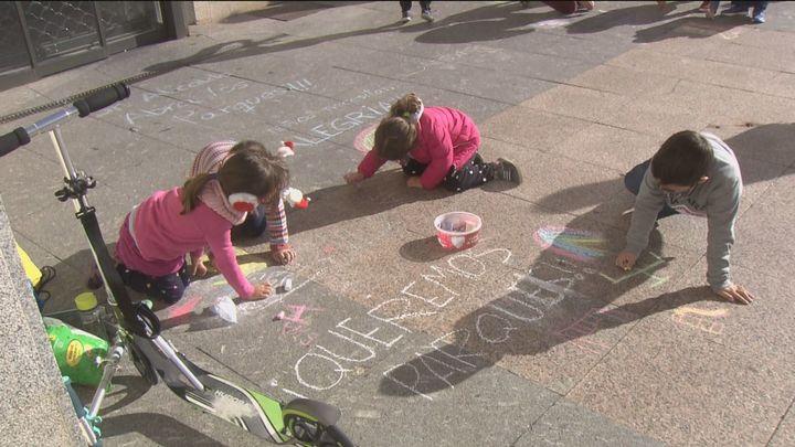 Los vecinos de Sanse denuncian ante el ayuntamiento que los parques infantiles llevan nueve meses cerrados