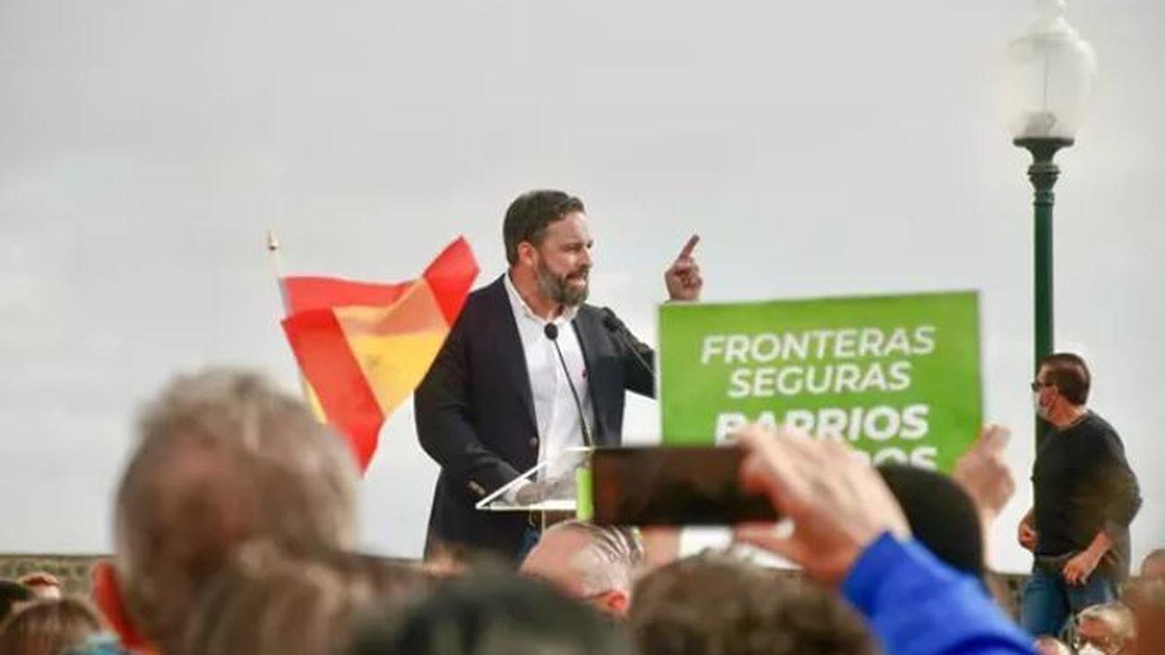 El presidente de Vox, Santiago Abascal, interviene durante una concentración en Arrecife, Lanzarote