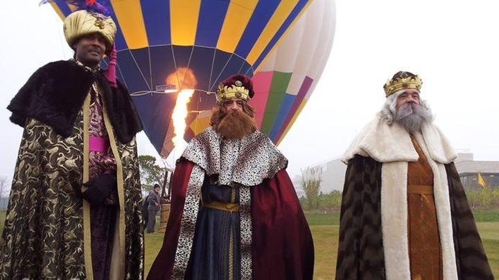 Los Reyes Magos no vienen este año a Las Rozas en camello ...sino en globo